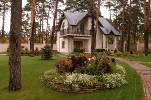 Где купить загородный дом?